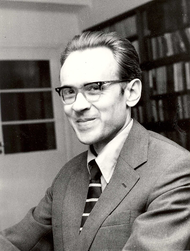 Andrzej Trautman at home around 1975